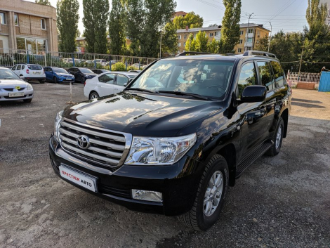 Toyota Land Cruiser 200 4.7 Lux